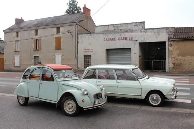 L'ancien garage Garnier à la Tricherie (86)