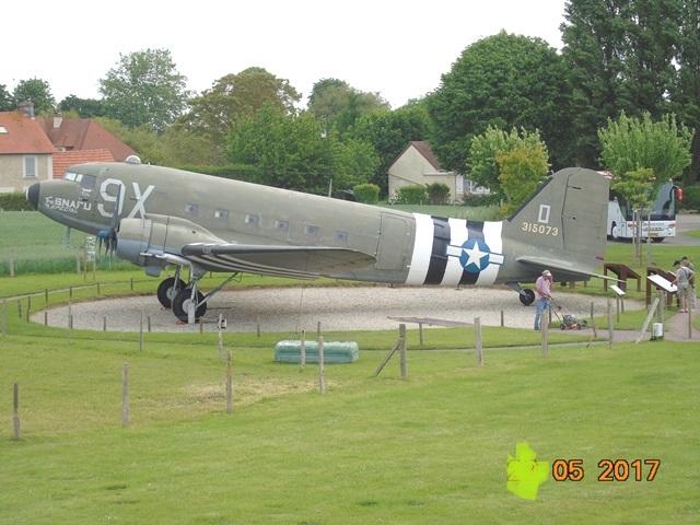 Douglas C-47, batterie de Merville
